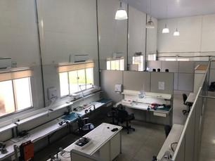 Nosso laboratório de tubos endoscópicos visto de cima 2