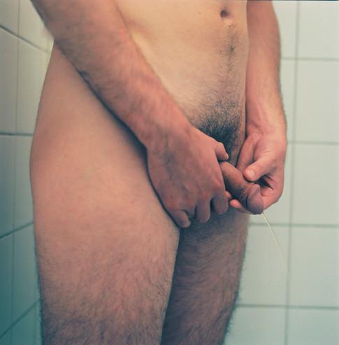 Tom is peeing, 2017
