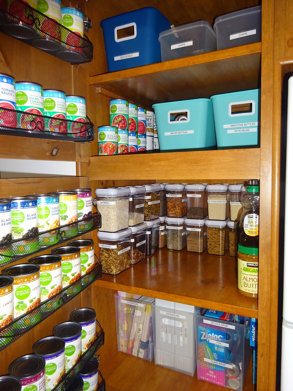 Kathryn Bechen small organized pantry