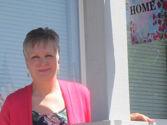 b Kathryn Bechen cottage home 3-19 (3).J