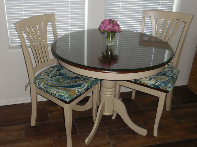 Kathryn Bechen dining table