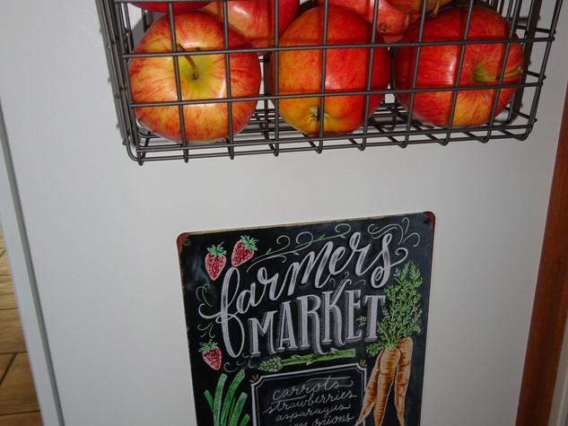 Kathryn Bechen farmers market sign.JPG