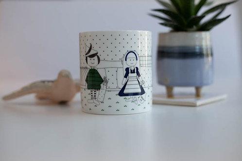 UK Alice & Robin Tea Cup