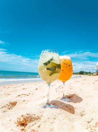 Refresque o seu dia com os nossos Caipifrutas de Limão e Maracujá