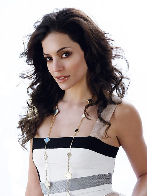 Emmanuelle Vaugier (Lost Girl, Smallville)