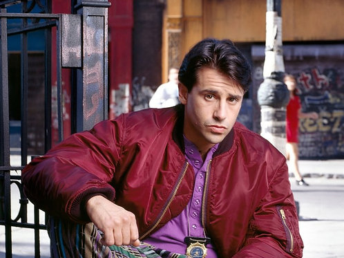 Larry Romano (King Of Queens, NYPD Blue)