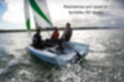 Moderní plachetnice pro turistiku bez VMP.