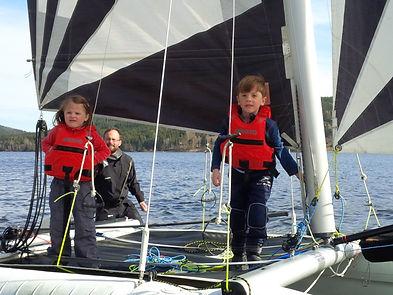 Moderní jachting, atraktivní plachetnice, katamarany, pronájem a půjčovna, Lipno.