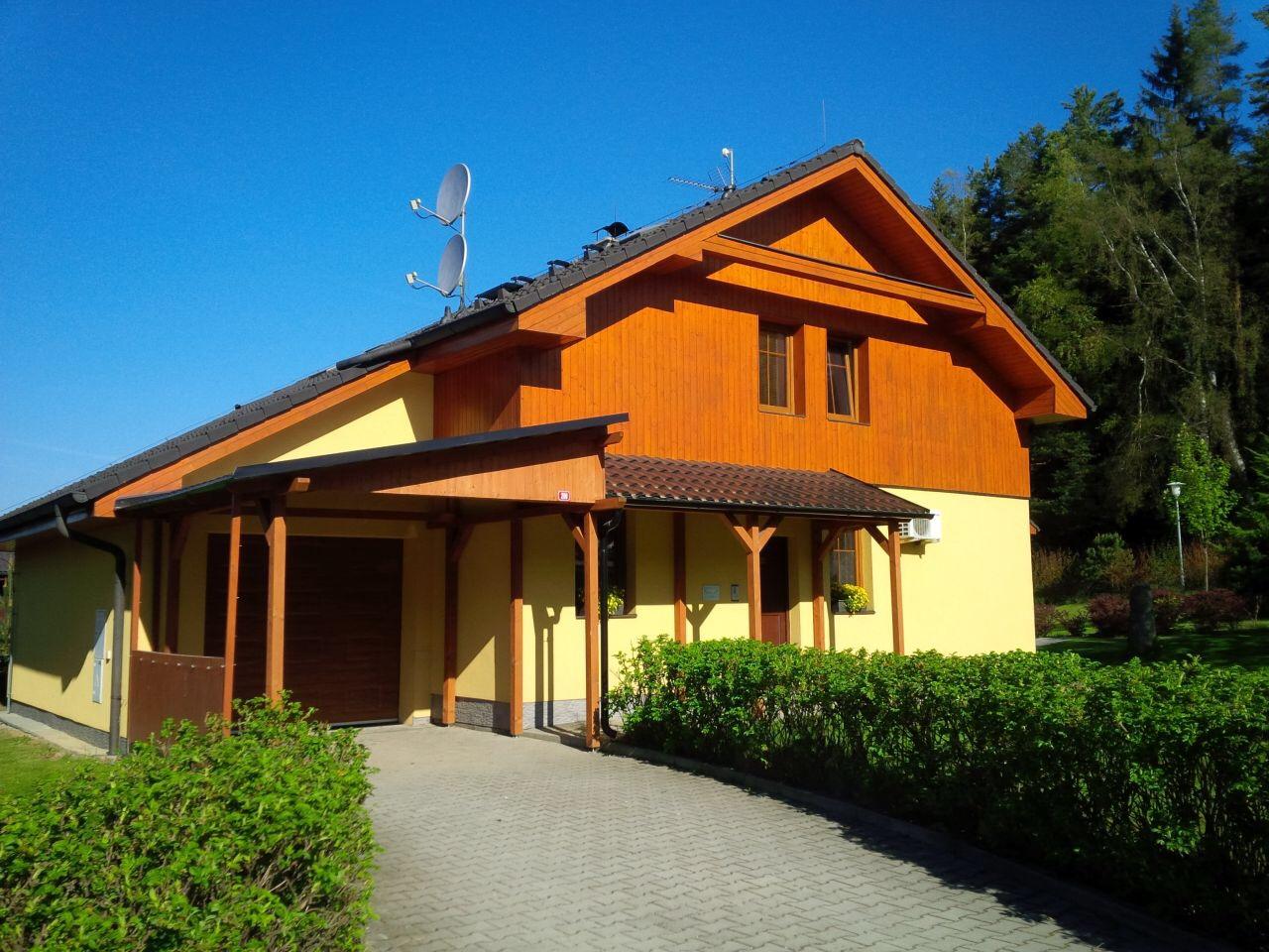 Villa Lanovka ubytovani Lipno. Apartmany u lesa.
