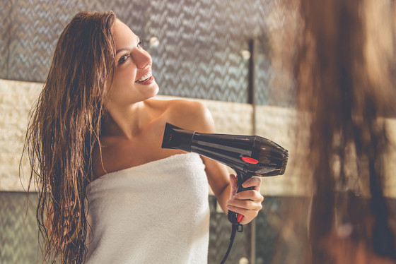 6 Worst Things for Thinning Hair