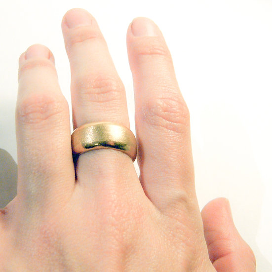 Wide band texture wedding ring