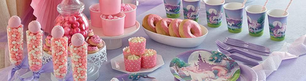 יום הולדת חד קרן מהאגדות מושלמת! אצלנו תמצאו צלחות חד קרן, כוסות חד קרן, מפיות חד קרן, מפת שולחן חד קרן ועוד המון דברים שווים!