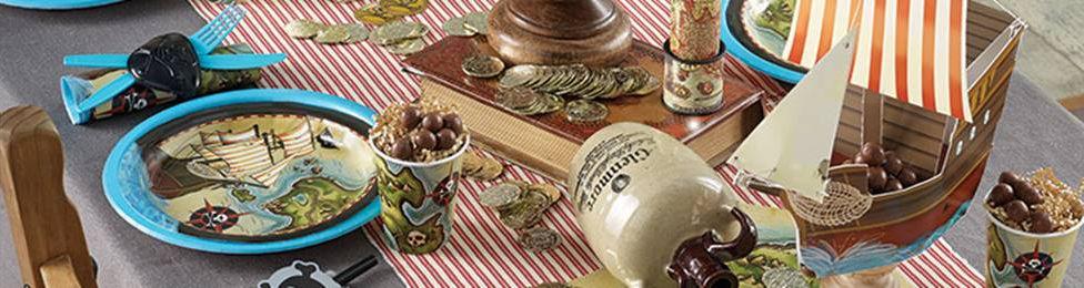 יום הולדת פיראטים מושלמת! אצלנו תמצאו צלחות פיראטים, כוסות פיראטים, מפיות פיראטים, מפת שולחן פיראטים ועוד המון דברים שווים!