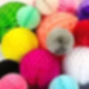 כדורי נייר במגוון צבעים למסיבה מושלמת! אצלנו   שרשראות וגרלנדות, בלונים לפי צבע, בלוני מספר תמצאו אהילי נייר, מניפות נייר, כדורי נייר, פונפוני משי, ועוד המון דברים שווים!