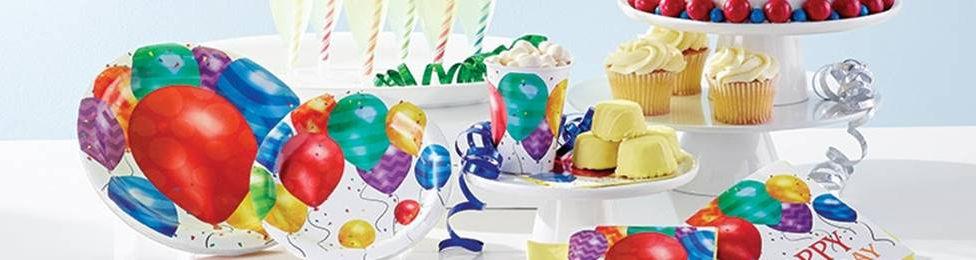 יום הולדת בלונים מושלמת! אצלנו תמצאו צלחות בלונים, כוסות בלונים, מפיות בלונים, מפת שולחן בלונים ועוד המון דברים שווים!