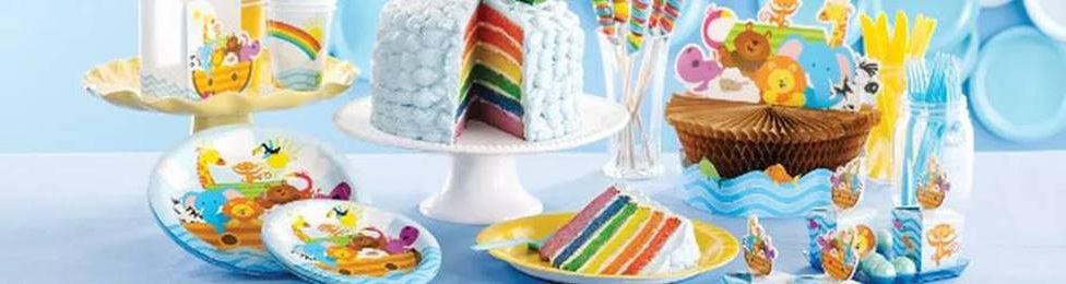 יום הולדת תיבת החיות מושלמת! אצלנו תמצאו צלחות תיבת החיות, כוסות תיבת החיות, מפיות תיבת החיות, מפת שולחן תיבת החיות ועוד המון דברים שווים!