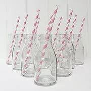 בקבוקים צנצנות וכלי זכוכית לעיצוב השולחן