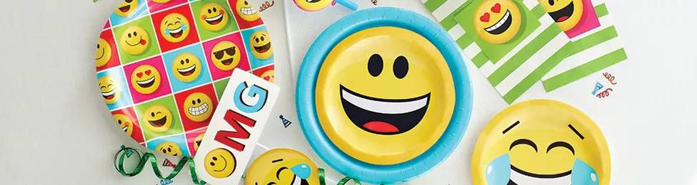 יום הולדת אימוג'י מושלמת! אצלנו תמצאו צלחות אימוג'י, כוסות אימוג'י, מפיות אימוג'י, מפת שולחן אימוג'י ועוד המון דברים שווים!