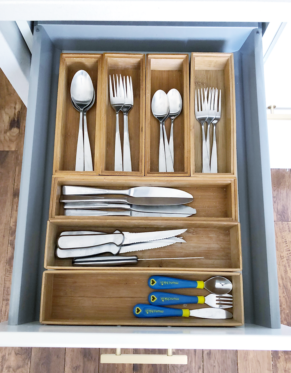 Cutlery drawer organizer bamboo