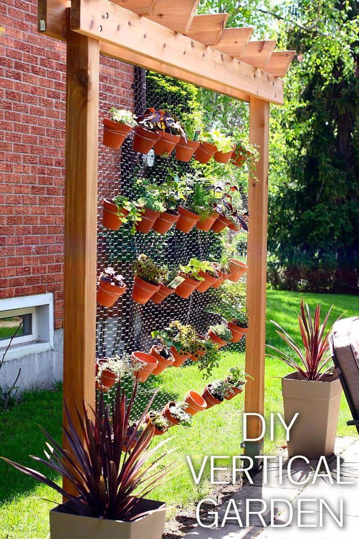 diy chicken wire vertical garden