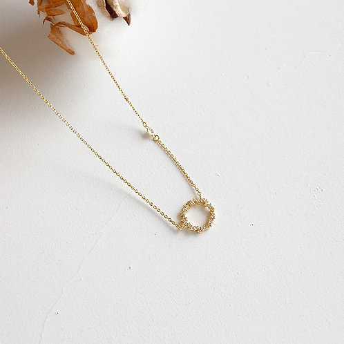 Love circle necklace