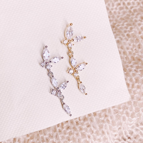 Dangle butterfly Czs earring with chains