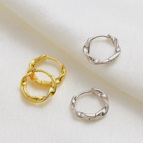 Twist Basic Hoop Earrings
