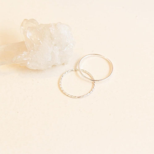 Dainty Twisted ring