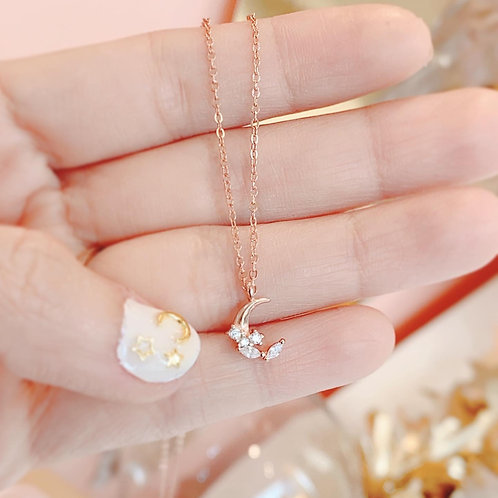 Shine Moon necklace