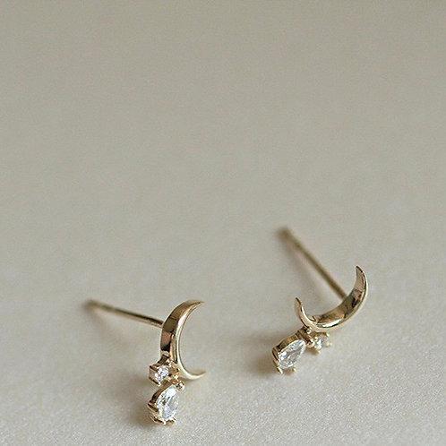 Moon Czs water drop earrings