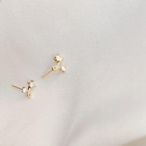 Twist stud earrings