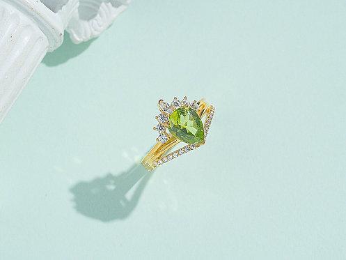 Vintage peridot drop ring