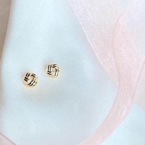 Love knot earring