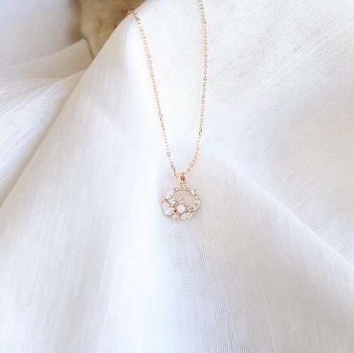Flower wealth necklace