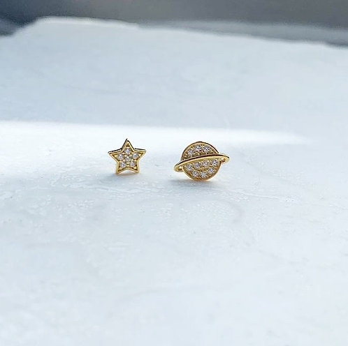 Star and universal stud earrings