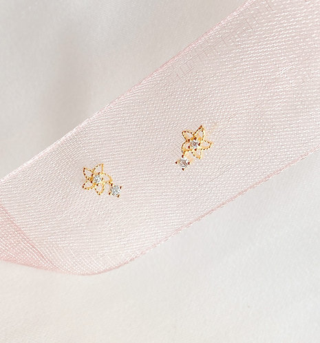 Tiny flower Czs earrings
