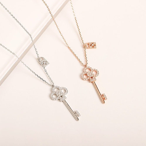 Sparkle Key and lock necklace