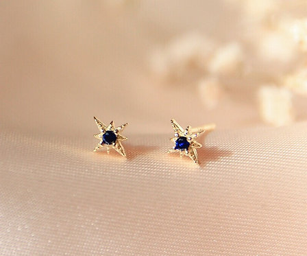 Tiny Stella earing with Blue Cz