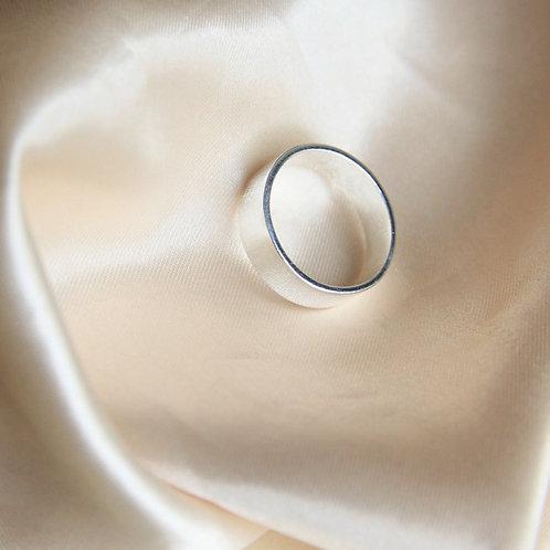 Basic thick band ring