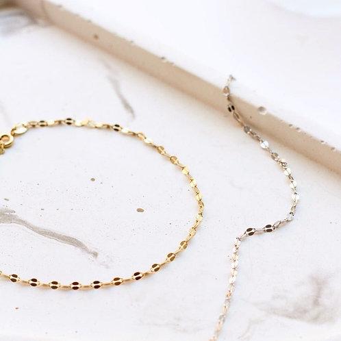 Dainty Mila bracelet