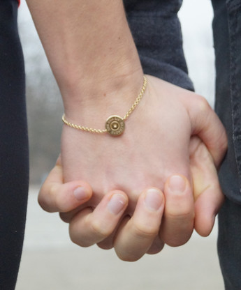 Schuss ins Glück: Glückwunsch zur Verlobung