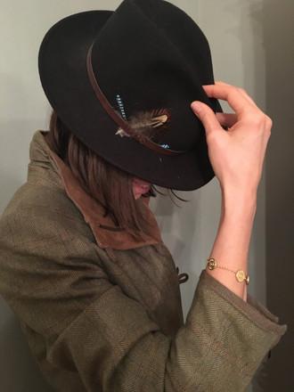 Sophie mit Armband.JPG