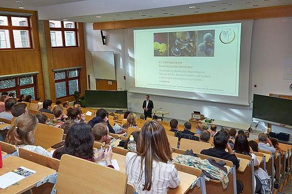 BDO-Präsident Prof. Schweickert begrüßt die Tagungsteilnehmer