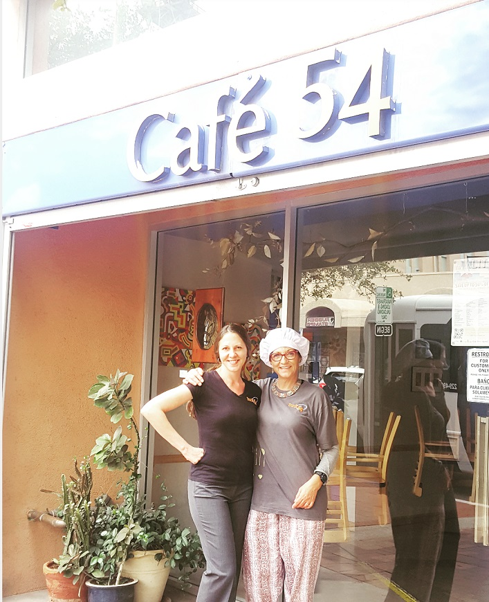 Laura and Laurie in front of Cafe 06302016