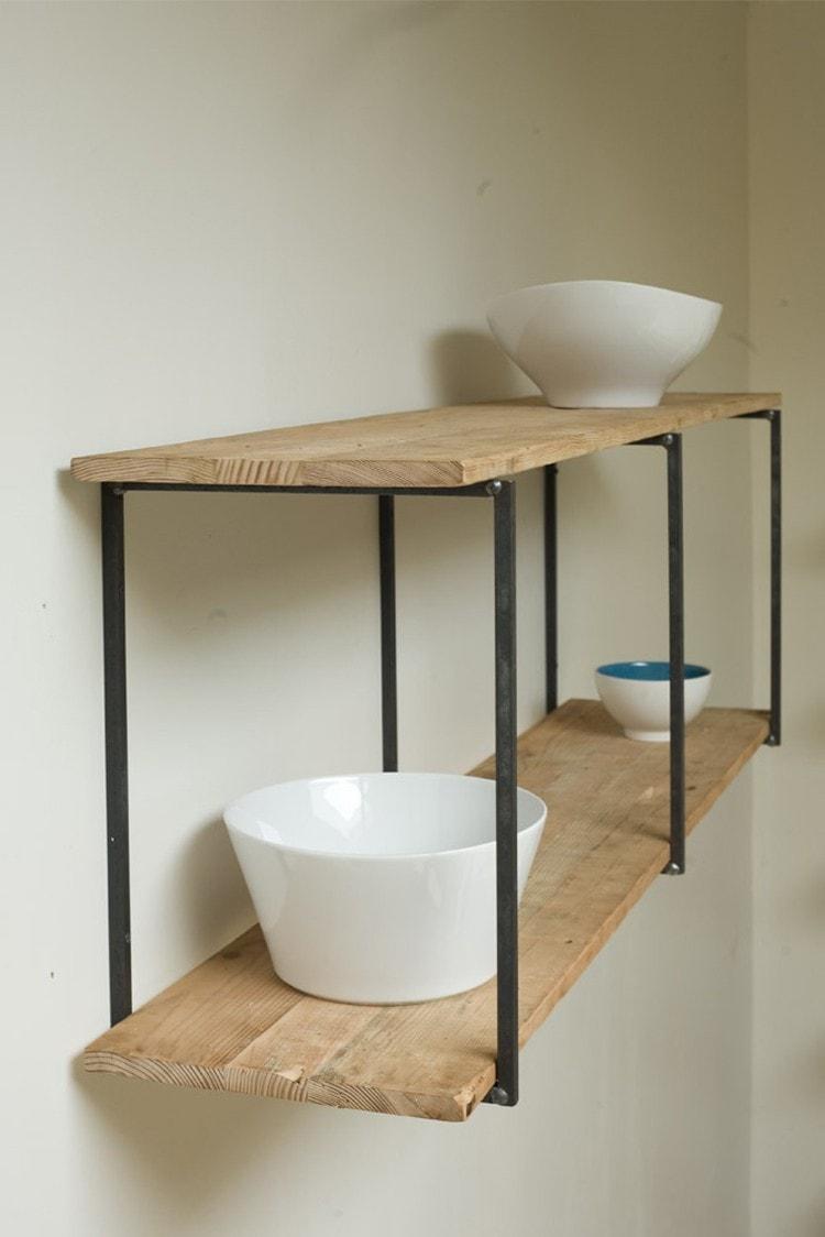 pared-estanteria-madera-acero-negro-hecho-mano-min