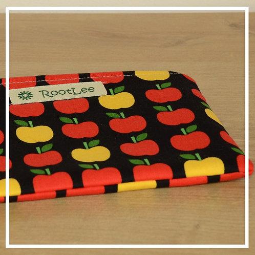 KrimsKramsTäschchen schwarz/rot-gelbe Äpfel