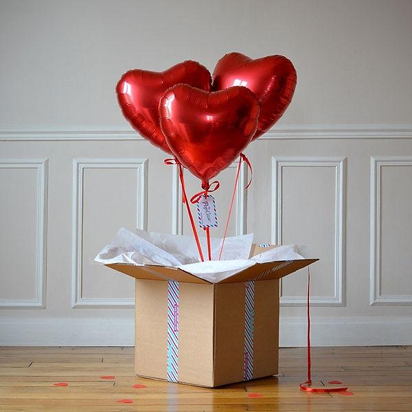 bouquet-ballon-cadeau-coeur-rouge.jpg