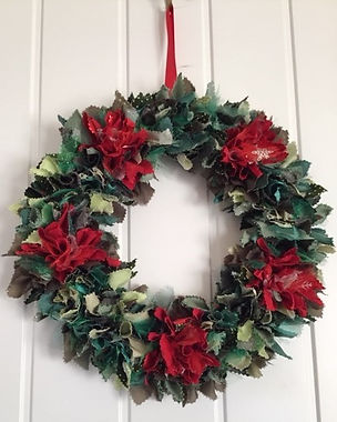 Rag wreath - Christmas decorations.jpg