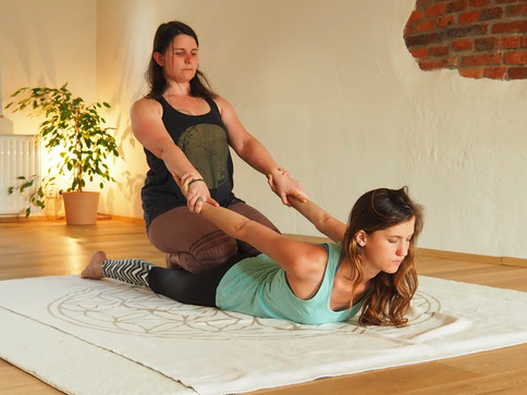 Massage Yogacasa.jpg