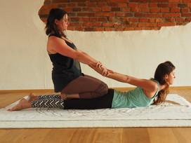 Massage Hollfeld Yogastudio.jpg